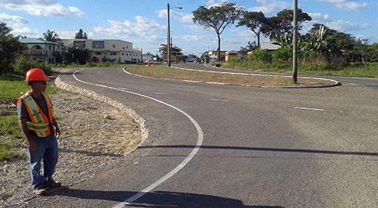 Almond-Boulevard